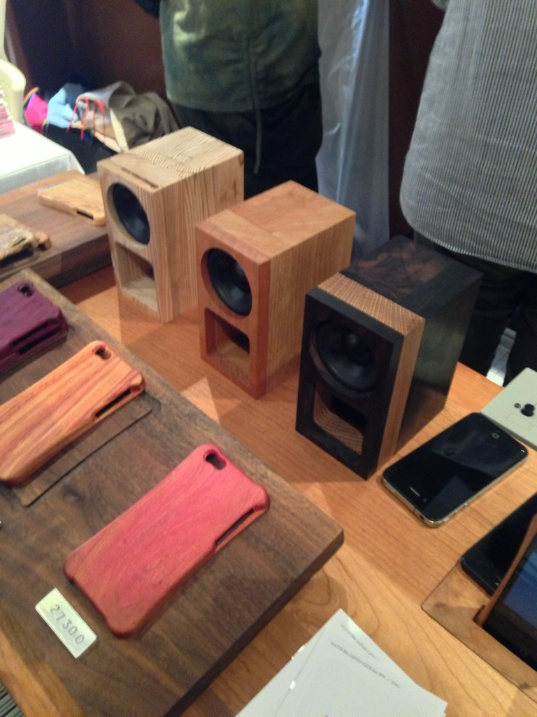 iPhone5のお手製木製ケース 松葉製作所