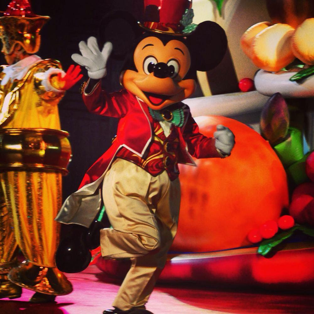 テーブルイズウエイティング クリスマスキュイジーヌからミッキーマウス