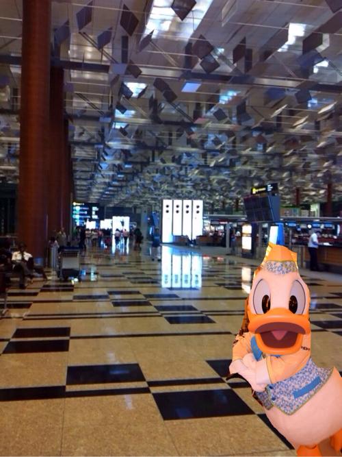 シェフミッキーのドナルドとシンガポールのチャンギ空港