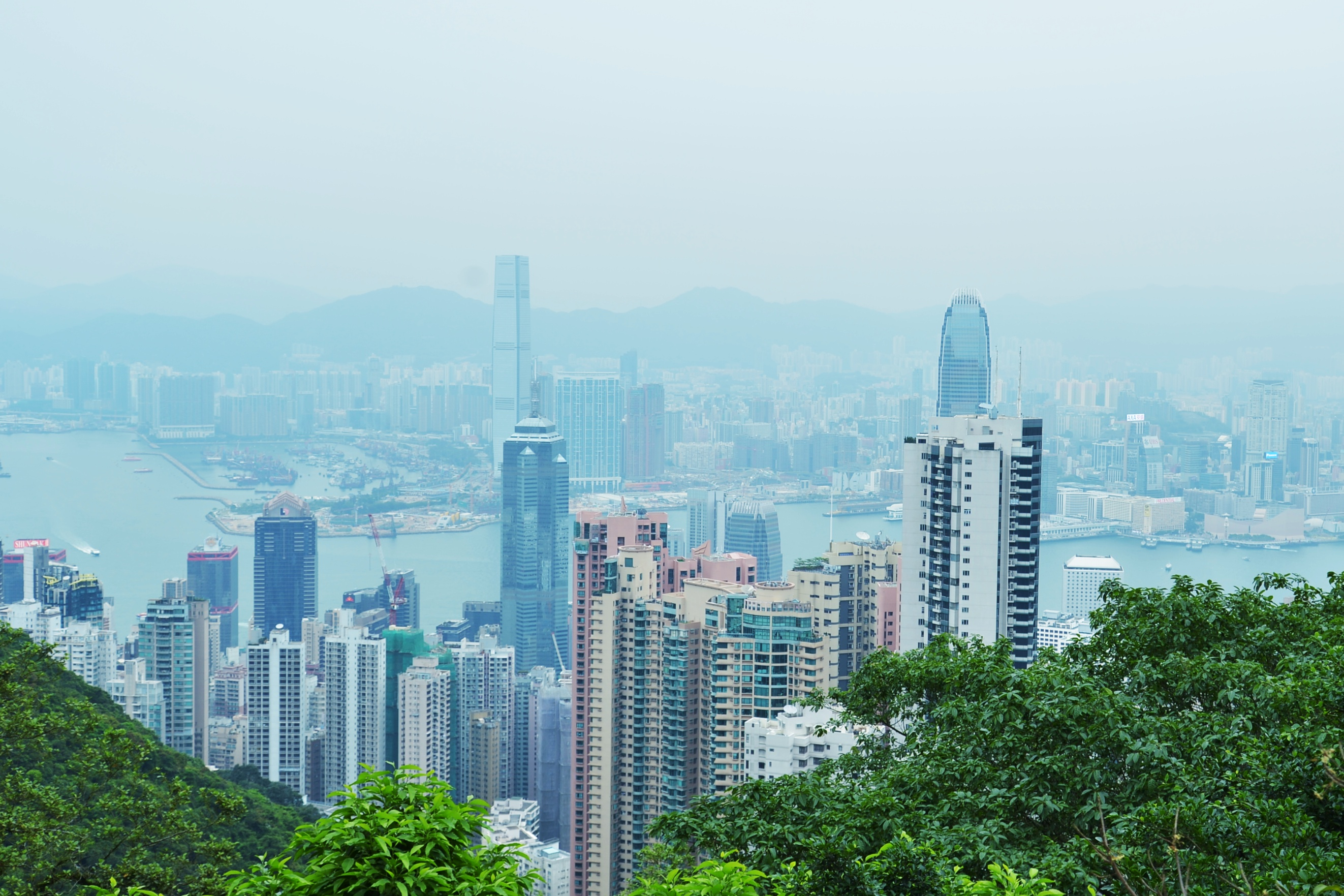 百万ドルの夜景でおなじみの香港ビクトリアピークへ行ってきた!(昼間にね・・)